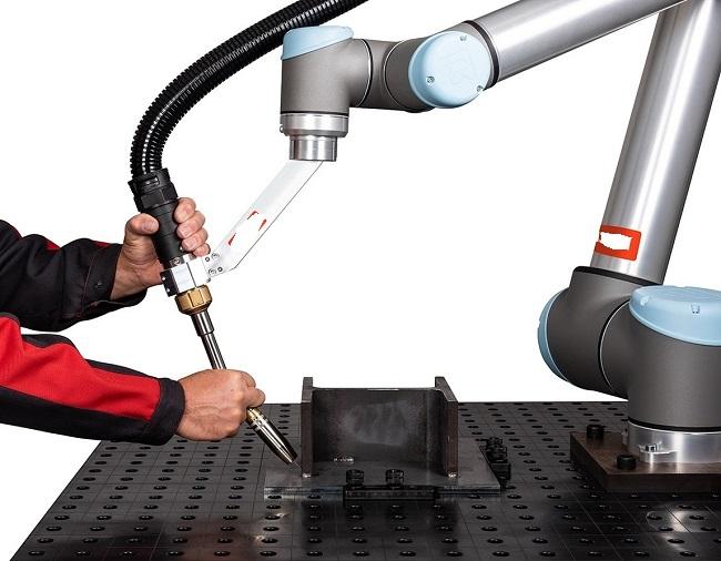 kollaboratív-hegesztő-robot